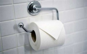 Sử dụng giấy vệ sinh không đạt tiêu chuẩn dễ gây viêm nhiễm phụ khoa2